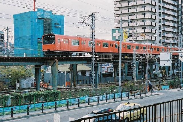 1075px-一ツ家踏切_(大阪府).jpg
